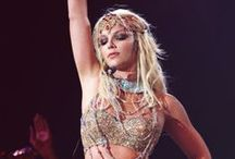 THE CIRCUS STARRING: BRITNEY SPEARS - TOUR