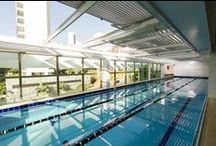 Coberturas / Retrátil / AeroMax® é a solução ideal para piscinas, corredores, áreas externas de lazer e outros locais que você queira proteger, desfrutando das qualidades únicas.