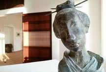 Ausstellungen und Kunst im Schloss Mitsuko / Das ehemalige Gutshaus in Todendorf nahe Teterow in Mecklenburg ist das Deutsch-Japanische Kulturzentrum Schloss Mitsuko, ein Veranstaltungs- und Ausstellungsort für traditionelle und zeitgenössische japanische Kunst und Kultur. In wechselnden themenbezogenen Ausstellung werden auch Werke hiesiger Künstlerinnen und Künstler gezeigt.