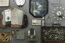 framing frames / Inspiration pour un futur projet déco : un mur de cadres vintages, usés, tous neufs, repeints, cérusés...