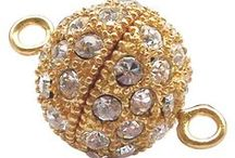 { Gold & Silver Jewelry Clasps } / For beginners to advanced pupils, jewelry clasps are a must for self jewelry makers. They make your piece look finished and complete. Sometimes clasps are even used as the main piece of your jewelry. From us, you can find very high quality clasps made of materials such as gold and silver at an affordable price.