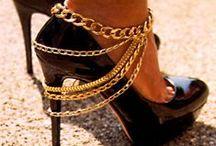Muoti : asusteet / Korut ja kengät