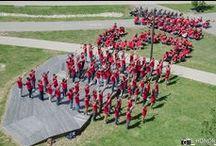 Logo Humain / Le jeudi 21 mai sur la pelouse Gaston Berger, nous avons organisé un logo humain filmé par un drone de l'entreprise TechniVue. Plus de 200 personnes ont répondu présentes pour cette journée placée sous le signe de la détente et de la convivialité.