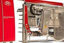 Lely / Ordenha Robotizada, de trânsito livre para vacas mais felizes! Lely é a percursora das ordenha robóticas no mundo, sediada na Holanda, hoje está em vários países, sempre inovando nas tecnologias para o campo.