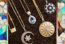 Vintage Diamond Necklaces Antique Pendants / Antique Necklaces & Vintage Diamond Pendants - For Sale and Up-to-Date Listings. Gold Necklaces, Ruby Necklaces, Gemstone Pendants