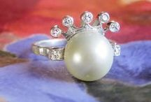 Vintage Jewelry < $1000 / Bargain Finds from Jewelry Finds®! Antique affordable jewelry, affordable engagement rings, antique vintage rings, vintage inexpensive jewelry, old inexpensive engagement rings
