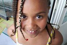 Tyttären tyttären muodonmuutos / Chineso with her hair done, and undone