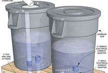 DIY Rain Barrel / Everything you need to save money watering your plants or to have an extra water reservoir.