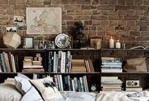 Vivere tra i libri / «In un angolo tra uno scaffale e una delle finestre a est c'era un tavolino a cui amavo sedermi a leggere. Nei pomeriggi delle piovose domeniche d'inverno era uno dei luoghi più belli della Terra. E mi piace ricordare il sabato di un luminoso mattino di primavera, seduto lì, con la finestra aperta sul sole che splendeva e i cespugli di spirea in fiore.» Wendell Berry, Jayber Crow.