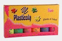 Catálogo Plasticola línea Escolar / Catálogo completo de plasticolas para hogar. Te presentamos todas las variantes. Podés consultar los detalles técnicos en nuestra página Web. www.miplasticola.com.ar