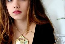Collection CARA / Collection de bijoux illustrés de visages de femmes. La femme forte, indépendante, libérée ! personnalité CARA = visage en espagnol. Dessin de Morgane gaveau
