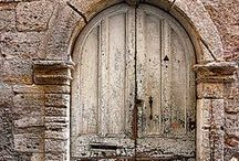 Puertas.