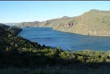 O Maravilhoso Rio Limay / O Rio Limay nasce no Lago Nahuel Huapi e percorre uma grande distancia pela estepe patagônica esculpindo, junto com o espirito do vento, as rochas e criando uma paisagem fantástica de esculturas em pedra.
