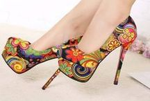 ZAPATOS / by MARLETT KING