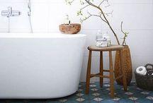Bathroom / Bathroom & tiles