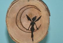 Pyrography - Coasters and Pendants / Round or oval shaped items which fit on small pieces of wood. Ideal to be used as coasters or pendant. Most of these I found on Pinterest.