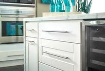 Kitchen Design: Turquoise Accents with Malibu White Kitchen Cabinets / Findley & Myers Malibu cabinets are bright and white kitchen cabinets that bode well with turquoise, aqua, and sky blue accents for airy and calming space!