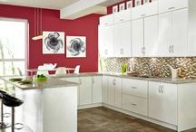 Kitchen Design: Plum Perfect with White Modern Fiore Kitchen Cabinets / Hit the perfect note by adding plum accessories to our sleek and modern Roberto Fiore kitchen cabinets!