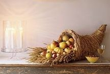 Traditional Thanksgiving Kitchen Decorations / There's nothing wrong with a little tradition! Check out these traditional Thanksgiving decorations to get some ideas and inspiration for your kitchen.