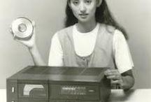 Vintage Technology and Design / Vintage Technology and Design, old Computers, old laptops, old hi-fi sets,old TVs,old Radios