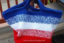 Patriotic Crafts for Memorial Day & 4th of July / Patriotic crafts featuring the stars and stripes and red, white, and blue -- perfect decorations and accessories for Memorial Day BBQs and 4th of July pool parties!