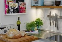 Awesome Kitchens / Wouldn't we love to bake in here!