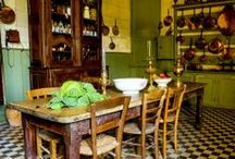 Kitchens / by Lilac Domino