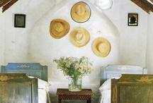 Decoración con sombreros / by Lourdes Pérez Martinez