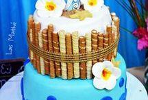 HAWAIIAN CAKES / Gorgeous tropical style cakes & cupcakes for birthdays, luaus and weddings.