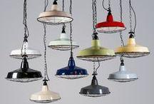 Één lamp, heel veel kleuren! / Één lamp, in verschillende frisse kleuren. Vrolijk uw huis op door te experimenteren en te combineren met kleur!