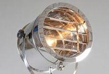 Zinderend zilver / Ga je voor klassiek, industrieel of trendy of tijdloos? Met onze zinderende collectie chroom-, staal-, nikkel-, en zilverkleurige lampen kun je alle kanten op!