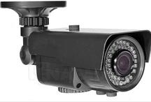 Kamery z oświetlaczem podczerwieni / Kamery z oświetlaczem podczerwieni to niezastąpiony element skutecznego systemu monitoringu. Kamery z promiennikami IR to zaawansowane urządzenia, które posiadają wbudowane systemy mocnych diod IR LED. Oświetlacz IR pozwala na umiejętne doświetlenie obszaru pracy kamery w porze nocnej i zachowanie efektywności prowadzonej obserwacji. Kamery z IR to automatyzacja pracy i bezpieczeństwo ochranianych miejsc. Zobacz wszystkie produktu w NAPAD.pl http://buh.bz/KameryIR