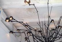 Tonone / Het Nederlandse label Tonone produceert een reeks stoere, industriële lampen die illustreert dat de combinatie van traditioneel constructiegereedschap en eigentijds design een logische match kan zijn. Het hart van de lampenlijn van Tonone wordt gevormd door de ambachtelijke vleugelmoer waarmee de lampen gesteld en versteld kunnen worden. De lampenserie Bolt van Tonone kent een tafellamp, een wandlamp, een staande lamp en een hanglamp. Tonone verlichting is verkrijgbaar bij Thomassen Interieurs.