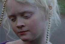 Albinos et Blanc / by Carole Chevrefils