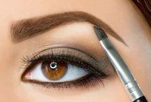 Make up / by Ca Maria