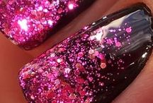 Nails / Be seduced by the allure of beautifully manicured and painted nails.