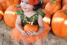 Fall Family Fun Activites / All the fall fun activities you must do. Including fun ideas for fall time photography with kids. Shop the sweetest handmade dresses for girls and newborn rompers from www.bellethreads.com
