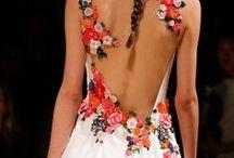 Las flores en la moda!!! / moda con flores / by Susana Merlo de Novillo