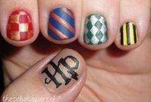 YA Nailspiration / Awesome nails inspired by books