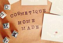 DIY autour de la cosmétique maison / Apprenez à réaliser vous-même vos cosmétiques avec Joli'Essence... mais pas que ! Retrouvez nos DIY de rangement, étiquettes personnalisées, boîte cadeau...etc pour embellir et offrir vos recettes cosmétiques maison.