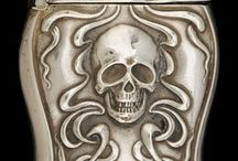 Skullpture / Dunno... I just think skulls are cool. After all, they shelter our brains...