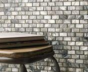 WANDTEGELS | Mozaiek tegels / Mozaïek tegels bestaan er in honderden uitvoeringen. Glasmozaïek, keramische mozaïek of natuursteen mozaïek. In ons tegelhuis vind je zowel mozaiek van L'antic Colonial, Onix als Barewolf