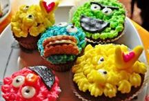 Ciastka, pierniki, torty i ozdoby z mas plastycznych i czekoladowych. / Pierniki, ciastka, ozdoby z czekolady plastycznej.