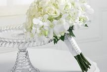 Flowers / Few ideas that will help you to choose your dream wedding bouquet :)