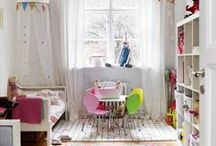 Girls Bedroom / Great ideas for creating a pretty but relaxing bedroom for my girls.