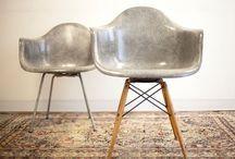 """Überall das gleiche... / zum Beispiel der """"Eames Plastic Side Chair DSR/DSW"""". Wirklich ein toller Klassiker. Aber ist das der einzige Stuhl, den man """"besitzen"""" kann??? Auch mit manchen Grafiken an der wand geht es mir so. Originalität ist anders."""