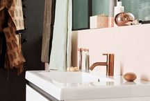Cosy bathroom as we love / Warm materials, modern shapes, delightful colors