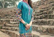 Simple kurti / Simple Kurti Neck Designs for Stitching, Simple Kurti Patterns, Plain Kurtis with Lace Borders, Casual Kurti Designs, Punjabi Kurti Design, Indian Kurtis Casual Tops, Indian Tunic Tops for Women | #DesignersAndYou