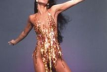 Cher / An appreciation board for Cher's style | Un tablero para admirar el estilo de Cher