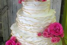 Wedding Cakes / by Clover Lori